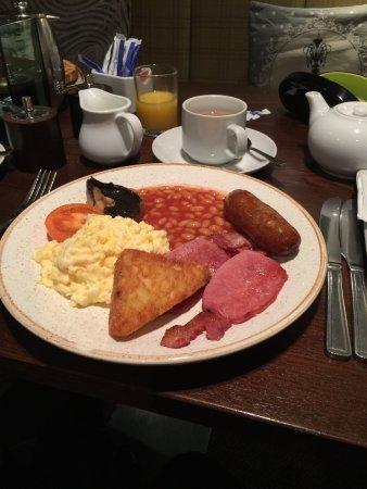 Holmfirth, UK: cracking breakfast...