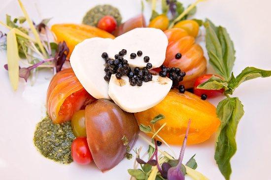 High Point, Carolina del Nord: Enjoy Fresh Local Cusine with Culinary Precision