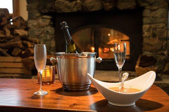 Treebones Resort Wild Coast Restaurant and Sushi Bar: Romantic Valentines Day