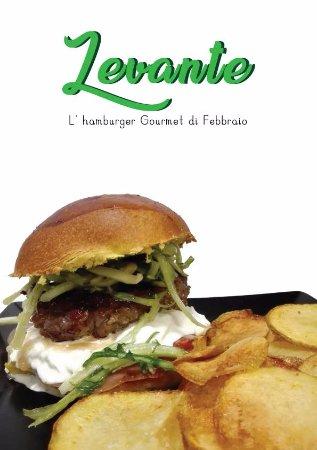 Cave, Italien: Hamburger Gourmet di Febbraio