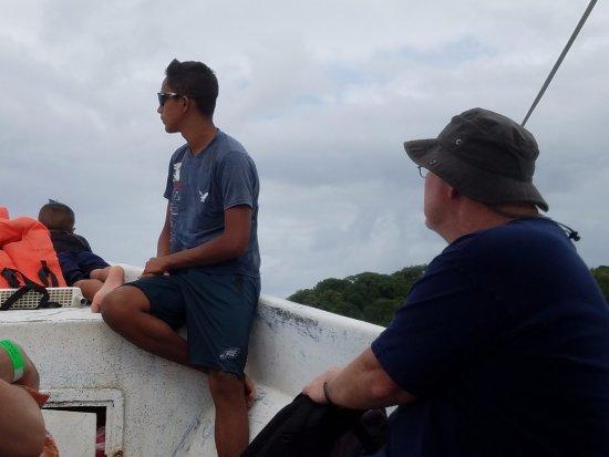 Sandy Bay, Honduras: On the boat to go snorkling