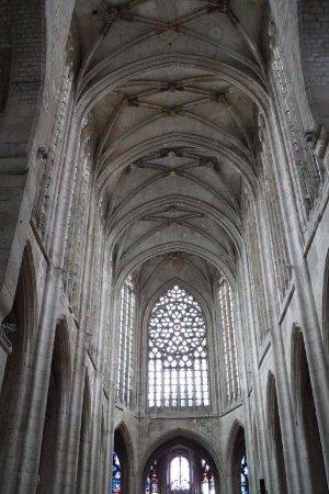 Beauvais, Francia: Rosácea e paredes laterais