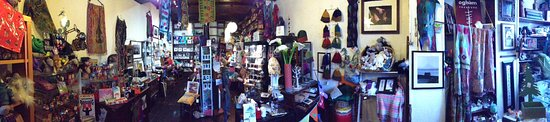 Athlone, Irlanda: Handmade Irish and Fair-trade jewellery and gifts