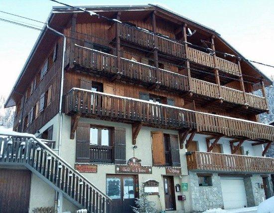 Feissons-sur-Salins, France : Prise devant le chalet