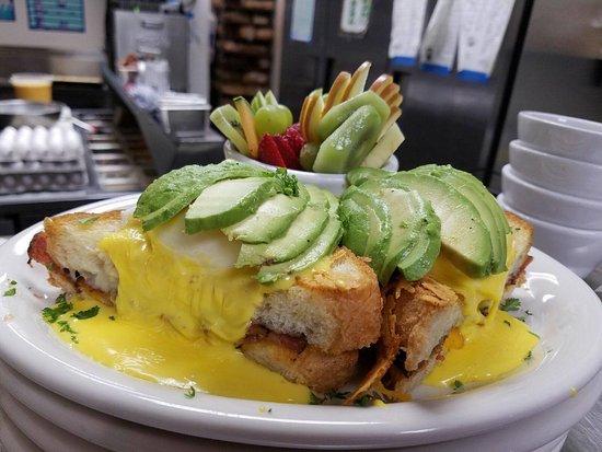 Auburn, CA: Grilled Cheese Benedict