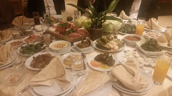 Broummana, Líbano: Food setting