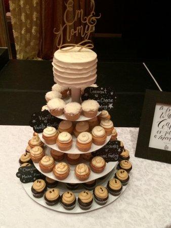 Oakville, Canada: Ombre wedding