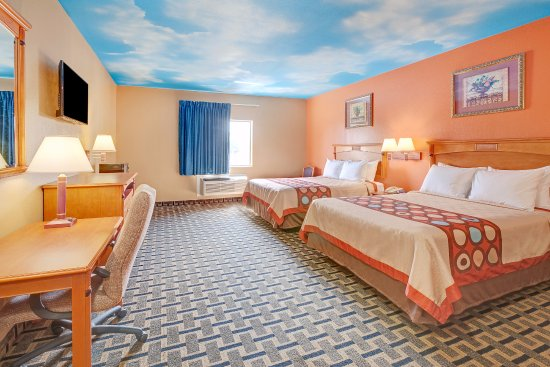 Americas Best Value Inn &  Suites- Deer Park / Houston: Two Queen Deluxe
