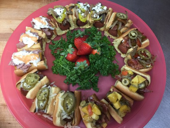 "Deltona, FL: Hot did platter ""We Cater"""