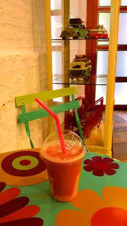 Fresh Juices, Fresh Smoothies, Milkshakes and VeganShakes!!!