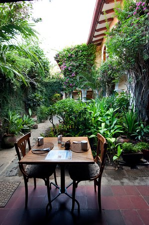Casa San Francisco: Breakfast looking at our courtyard