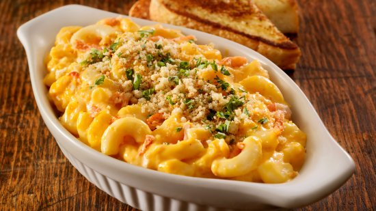 Prince George, Canada: Shrimp and Lobster Mac & Cheese