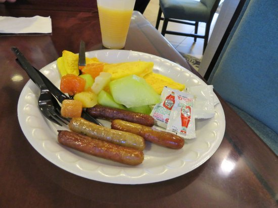 Homewood Suites Tampa Airport - Westshore: Fresh fruit and sausage from the complimentary breakfast buffet.