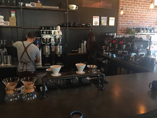Chandler, AZ: Friendly staff and baristas on a lovely Tuesday morning.