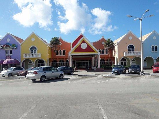 Holiday Beach Hotel and Casino: Fachada do hotel