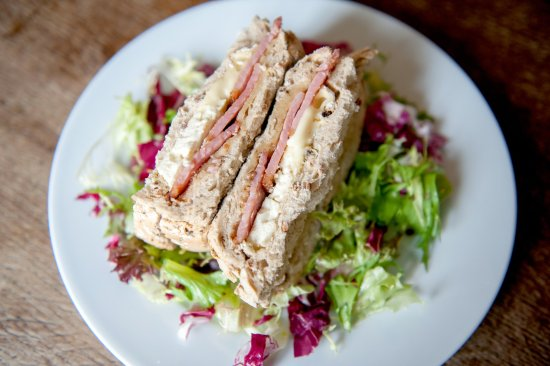 Pewsey, UK: A decent sandwich - now you just need the chips!
