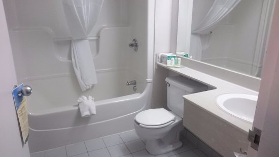 Bathroom Fixtures Laval Qc quality suites laval - updated 2017 prices & hotel reviews (quebec