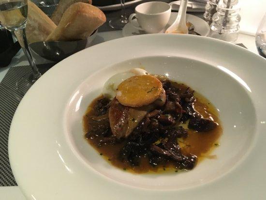 La Defense, Francja: poele de champignons au foie gras frais