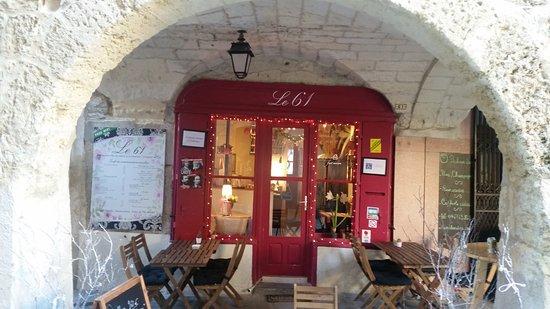 Lunel, France : La terrasse