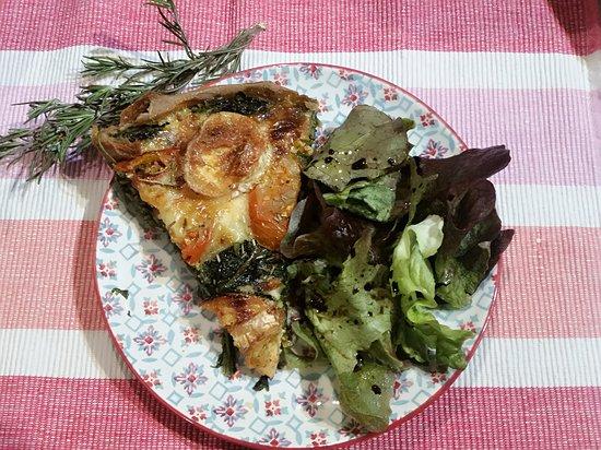 Lunel, Frankrike: Tarte épinards chèvre