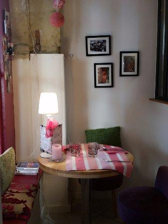 Lunel, France : Petit coin intérieur