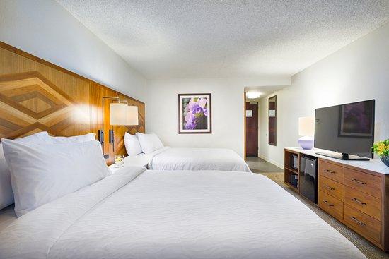 Hilton Garden Inn Kauai Wailua Bay   2 Queen Beds OceanView
