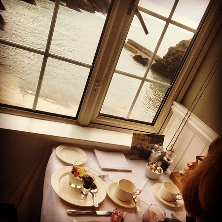 Portloe, UK: is there a better breakfast table?