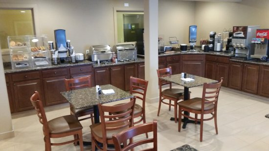 Coralville, IA: Our New Breakfast room