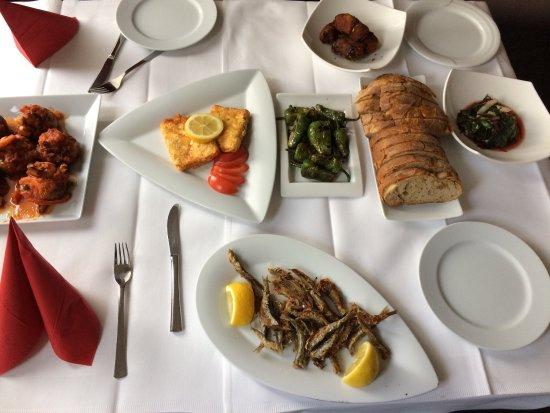 Wildfang fisch aus dem backofen picture of restaurant for Ambrosia mediterranean cuisine
