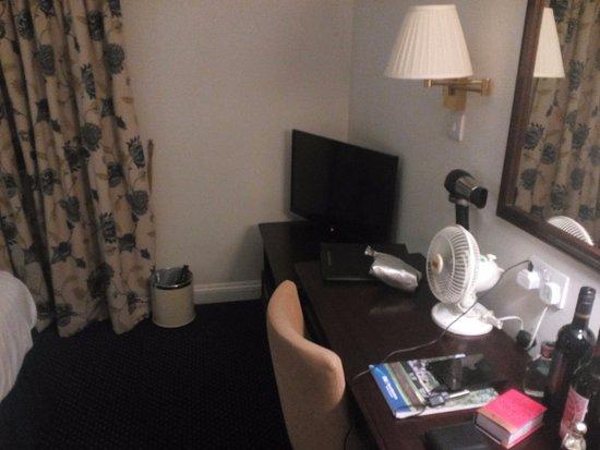 BEST WESTERN Wessex Royale Hotel: Bedroom