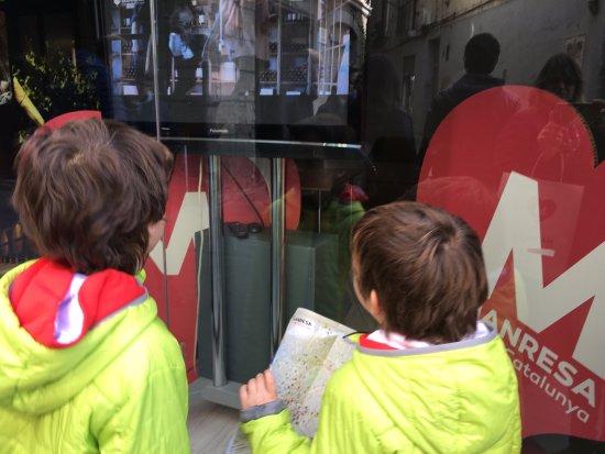 Манреса, Испания: Oficina de turismo, Cor de Catalunya