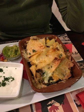 Brunssum, The Netherlands: Taco met nachos met kaas overbakken