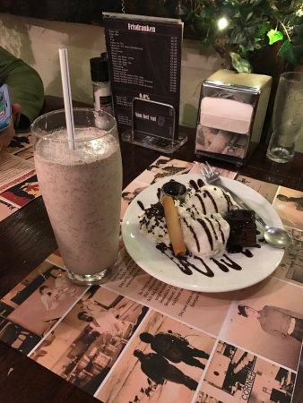 Brunssum, The Netherlands: Brownie en milkshake Oreo