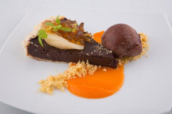 Liverpool, Australia: Pear Jelly n chocolate Tart