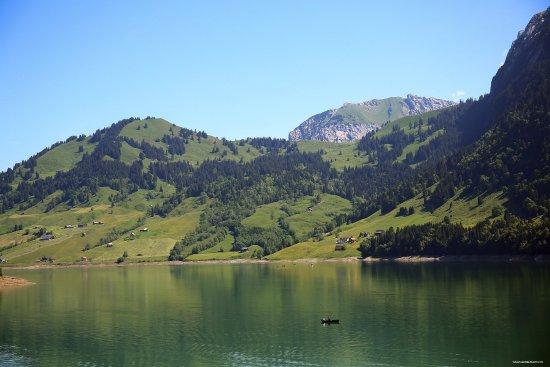 Innerthal, سويسرا: Blick auf den Wägitalersee
