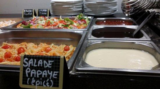 Erstein, France: buffet salade