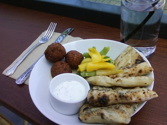 Hamburg, NY: Falafel, Hummus with great bread and homemade Tzatziki