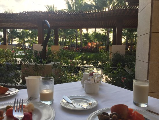 Excellence Playa Mujeres: View from Toscana's outdoor patio (breakfast)