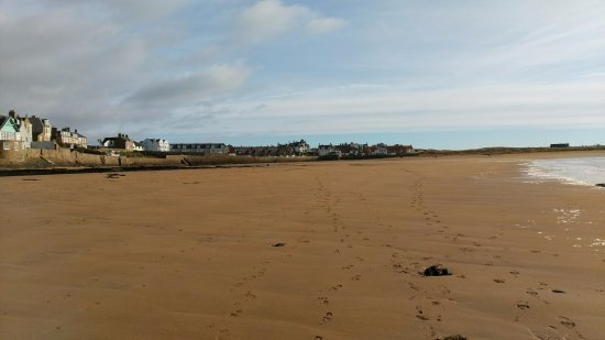 Elie, UK: The Ship in the far distance