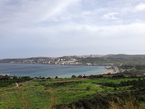 San Gwann, Malta: vista panoramica della spiaggia di Mellieha