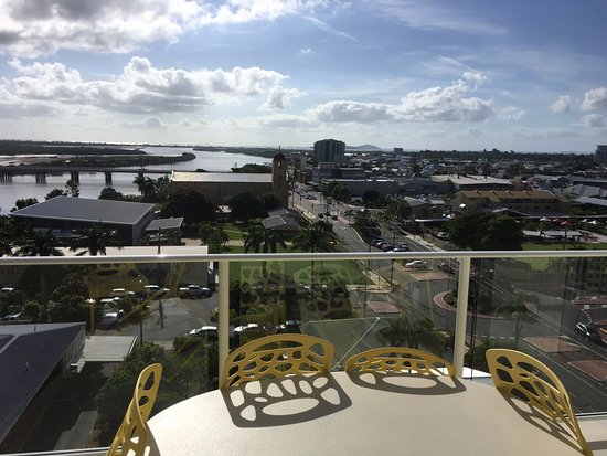 Mackay, Australia: Balcony of room overlooking river and town.