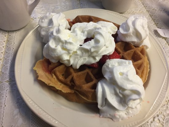Haverhill, MA : Waffle with strawberries and whipped cream
