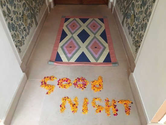 The Oberoi Rajvilas: greeting at doorway last night at Resort