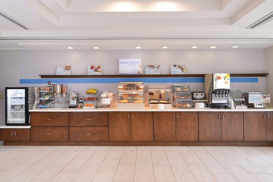 Holiday Inn Express & Suites Parkersburg - Mineral Wells: Newly Renovated breakfast and dining area!