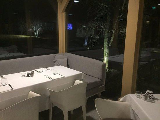 Rossocuoco Steak House: Salle en véranda