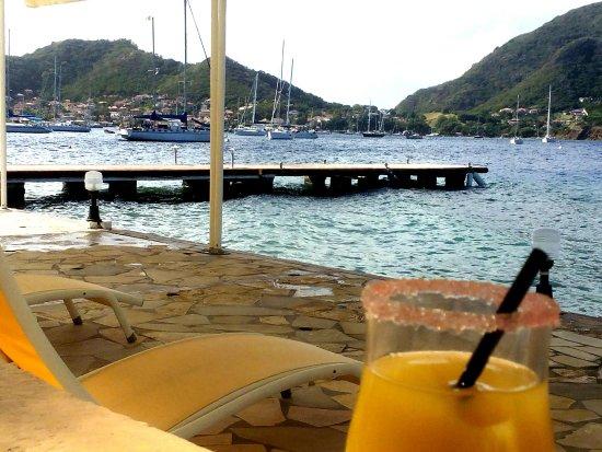 Hotel Kanaoa Les Saintes: Vue de la terrasse bord de piscine