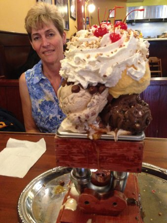 kitchen sink sundae,WOW, to die for. - Picture of San Francisco ...