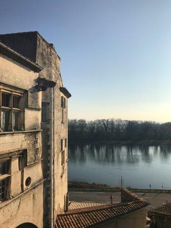 Bourg-Saint-Andeol, Frankrike: vue chambre second étage