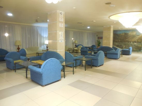 Hotel Monarque Fuengirola Park: Spotlessly clean lounge area