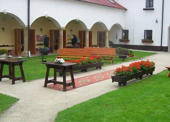 Mohelnice, جمهورية التشيك: nádvorie hotela